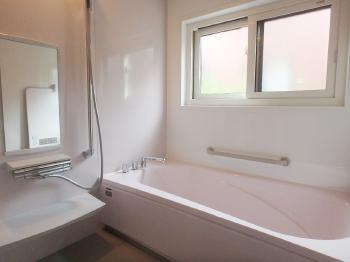 会津若松 あかべこりふぉーむ 東協設備随分と明るくて、暖かくなったお風呂に大変喜んでおります。