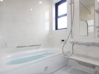 会津若松 あかべこりふぉーむ 東協設備まるでホテルのような高級感溢れるお風呂になり、一日の疲れが癒やされます。