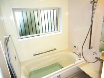 今までのお風呂とはまるで違う、ほんわか暖かいシステムバスです。
