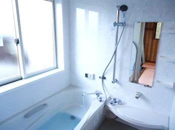 以前のお風呂とは随分と違った雰囲気になり、家族中大喜びです。