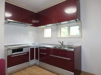 狭かったキッチンが使いやすくなり、娘と二人でいても料理しやすいです。