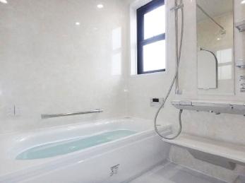 まるでホテルのような高級感溢れるお風呂になり、一日の疲れが癒やされます。